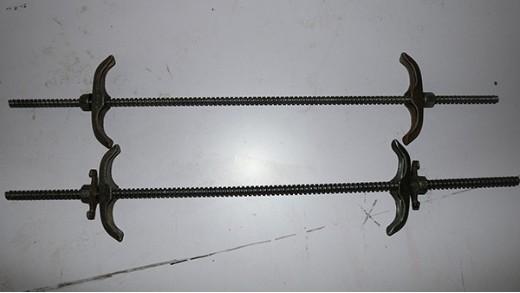 对拉丝杆和止水丝杆的区别?