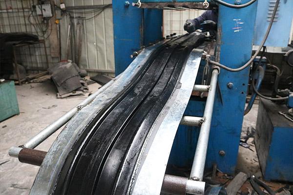 钢边式橡胶止水带-生产过程
